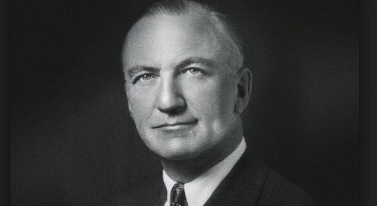 Doctor Arnold Kegel Primer Plano